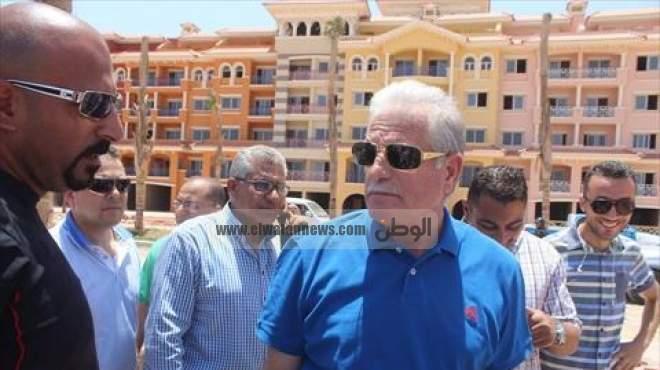 بالصور| محافظ جنوب سيناء يتفقد أكبر المشروعات السياحية بشرم الشيخ