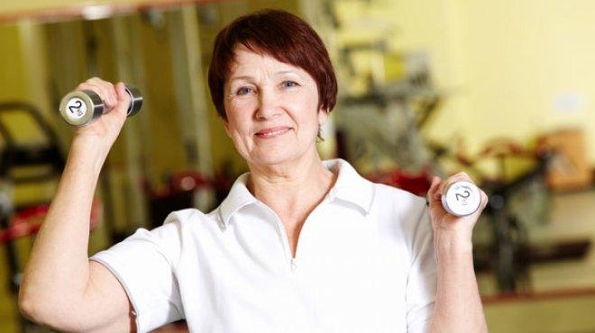 دراسة: انقطاع الطمث يقلل خطر الإصابة بأمراض القلب