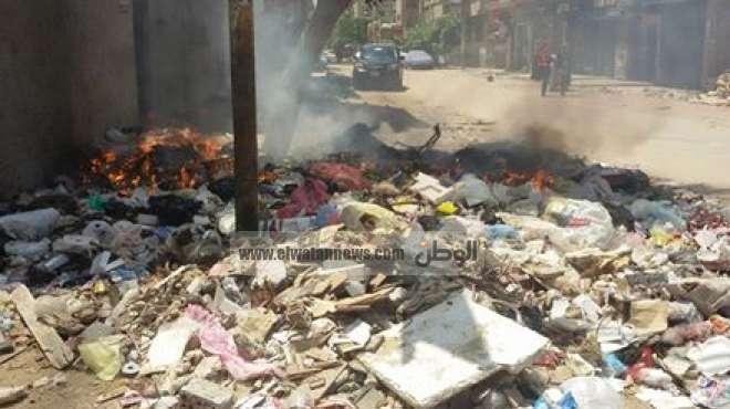 حملات مكبرة بمدن القليوبية لرفع تلال القمامة ومخلفات الاحتفال بالعيد