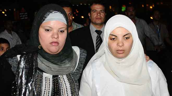 شقيقة الجيزاوى : ما نشر بجريدة عكاظ غير صحيح ...وشقيقى ليس ممنوعا من السفر