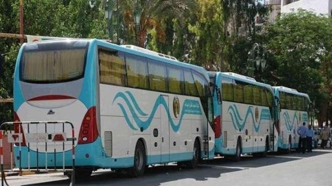 أزمة في النقل السياحي بالغردقة بسبب نقص الوقود وأصحاب الشركات يصرخون