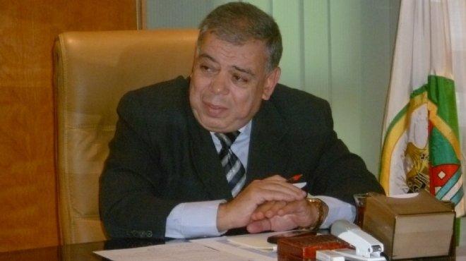 محافظ الفيوم يناقش مع مدير المنطقة الوسطى تطوير خط السكة الحديد المؤدي للقاهرة