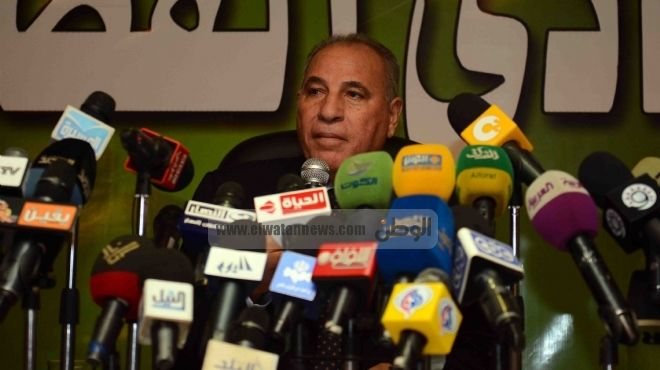 الزند باكيا يطالب بالوقوف دقيقة حدادا على روح رئيس محكمة جنايات بني سويف