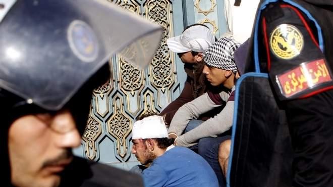 تذمُّر بين ضباط الشرطة بعد ظهور فيديوهات تعذيب الإخوان لـ«أسرى الاتحادية»