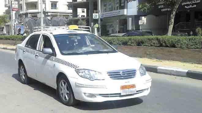 إعفاء أصحاب التاكسى الأبيض الملتزمين من فوائد التأخير
