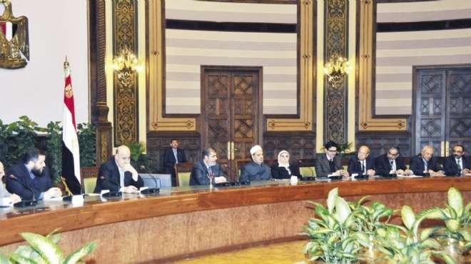 لجنة الحوار الوطني تجتمع بالرئاسة لمناقشة قانون الانتخابات البرلمانية