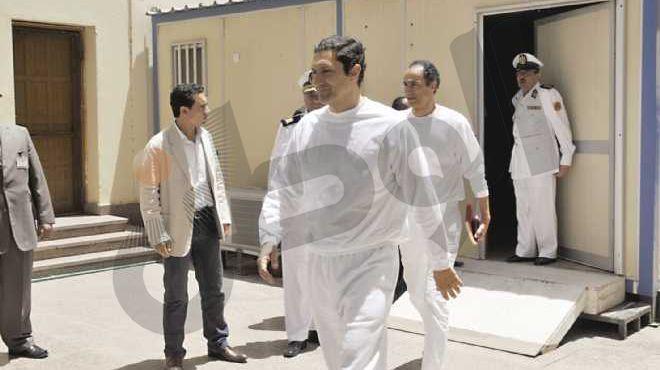 وصول علاء وجمال مبارك والعادلي إلى مقر أكاديمية الشرطة