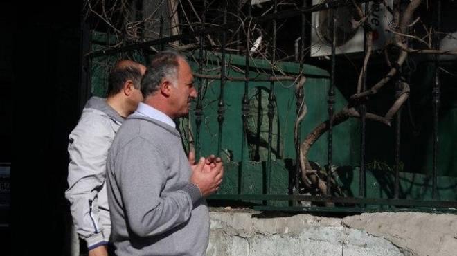 بالصور| الأتراك مستاؤون من إهمال قبر