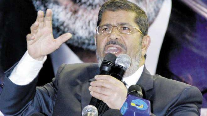 «مرسى» فى بنها: 32 عائلة تساعد «شفيق» وسأحاكمهم جميعاً لأنهم خونة
