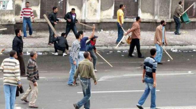 إصابة 4 أشخاص من قرية الرائد بالسويس والأهالي يتهمون نجل عضو