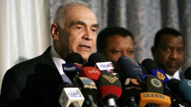 عمرو: بحثت مع الإبراهيمي الخطوط العريضة لمهمته في سوريا