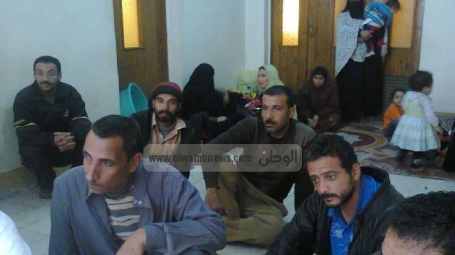 بالصور| اعتصام 13 أسرة بإيتاي البارود اعتراضا على المبالغ المالية المطلوبة للوحدات السكنية