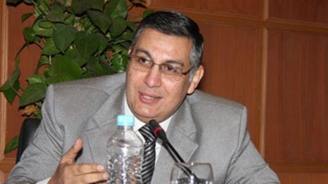 د. أشرف شعلان: قدّمنا 3 مقترحات لتعديل مواد البحث العلمى بالدستور.. وتعريب العلوم يضر بالعملية البحثية