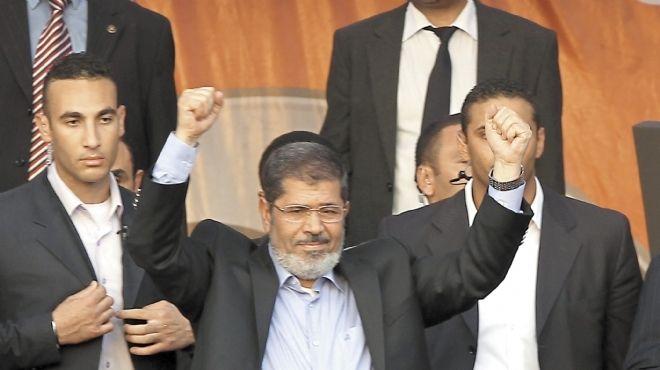 نجل مرسي: ليس لأي فرد في الأسرة حساب على تويتر باستثناء الرئيس