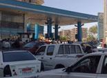 «البترول» تعد بحل الأزمة الأسبوع الجارى.. وسائقو المنيا يواصلون قطع الطريق احتجاجاً