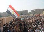 أهالي بني سويف يحتفلون بذكرى الثورة.. ومسيرتان للإخوان للمطالبة بالقصاص للقتلى
