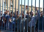 عمال الخدمات البحرية بالإسكندرية يفضون إضرابهم بعد صرف مكافآت