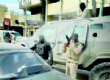 تمركز الجيش والشرطة في ميادين السويس.. والهليكوبتر تحلق في سماء القناة