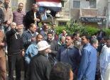 «المتعاقدون» يقتحمون مكتب رئيس مدينة كفر الدوار