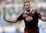 دورتموند يقدم 18 مليون يورو للتعاقد مع هداف الدوري الإيطالي
