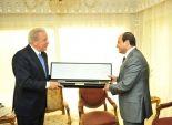 وزير الدفاع اليونانى يهدى «السيسى» سيف «الإسكندر الأكبر» ويؤكد: ندعم «30 يونيو»