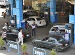 محطات تبيع الوقود بأكثر من الأسعار الجديدة والسائقون يفرضون تعريفة ركوب أعلى من المعتمدة