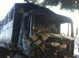 اصطدام سيارة حماية مدنية بسور محور صفط اللبن بعد اختلال عجلة القيادة