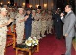 بالصور| السيسي يلتقي رجال القوات المسلحة