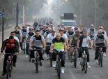 وزير الدفاع بـ«ملابس رياضية» فى «ماراثون دراجات»