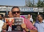 سكان الجيزة يجمعون توقيعات لإقالة المحافظ
