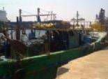 السلطات الليبية تحتجز مركبا على متنه 7 بحارة مصريين