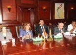 وزيرة الإسكان تناقش الخطة الاستراتيجية القومية للسكان والتنمية بالأقصر