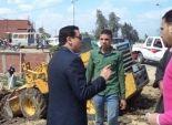 محافظ الشرقية يعنف رئيس مركز منيا القمح ويوقف مسؤول النظافة عن العمل