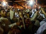 بالصور| المئات يحتفلون بالليلة الختامية لمولد الحسين