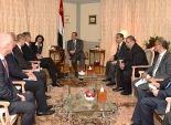 السيسي لرجال أعمال ألمان: مصر مهتمة بتنفيذ المشروعات في أقل فترة زمنية