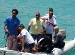 بالصور| وزير السياحة يرتدي بدلة غوص ويشارك في تنظيف قاع البحر الأحمر