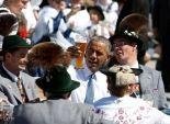 خلال زيارته ألمانيا.. أوباما معجب بـ