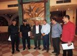 تكريم 8 من رجال الحماية المدنية وخبراء المفرقعات بأسوان