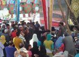 أهالي بورسعيد يتجمهرون حول شاشات العرض لمتابعة حفل افتتاح القناة