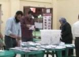 شفيق يحصل على 210 أصوات مقابل 66 لمرسي بطهطا