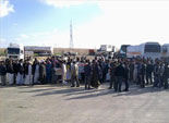 أهالى مطروح يقطعون الطرق المؤدية لشركات البترول فى عيد العمال